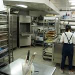 Le laboratoire au sous sol, rue de Clichy, au poste pâtisserie