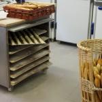 Des baguettes cuites, des petits pains à cuire chez Landemaine