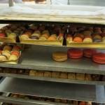 Une échelle de macarons et gourmandises chez Landemaine