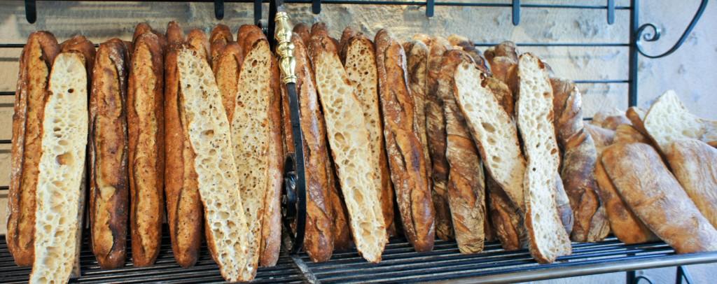 Plusieurs baguettes bien alvéolées !, Fournil du Moulin des Gaults, Poilly-lez-Gien