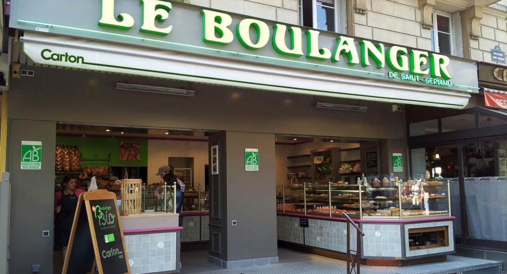 """Au niveau de la station Maubert-Mutualité, sur le boulevard Saint-Germain, le """"Boulanger de Saint-Germain"""" est passé aux mains de la famille Carton qui continue de proposer des pains Biologiques en association avec les moulins Bourgeois."""