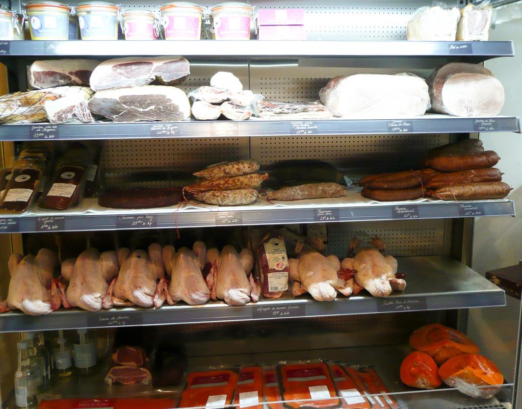 Jambons, volailles et salaisons variées