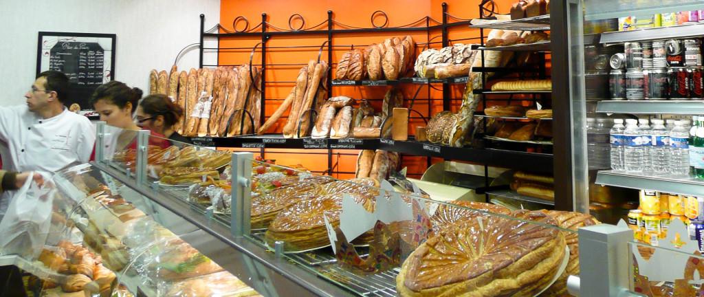 En ce moment, les galettes sont à l'honneur, même si l'on ne manquera pas d'apprécier la variété de l'offre de pains, en plus de leurs tarifs très raisonnables.