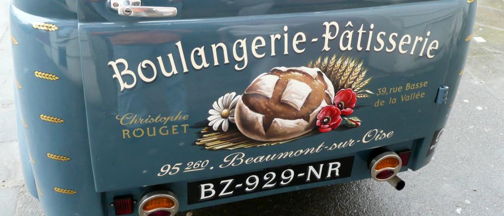 Aucun détail ne manque à l'appel : le pain dessiné avec précision, la plaque d'immatriculation peinte à la main... Un véritable travail d'orfèvre !