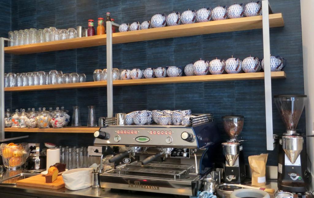 Une bonne machine pour un bon café : ici, pas de Nespresso... La maison est fidèle à ses engagements de qualité. Toutes les boissons sont soignées, y compris les limonades qui sont faites à la demande !