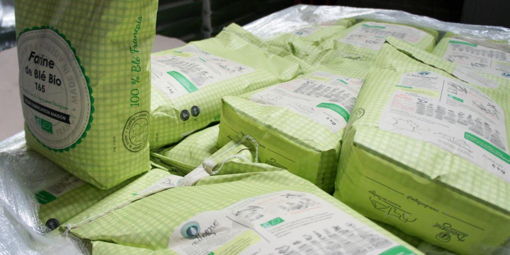 Les premiers sacs 5kg destinés aux consommateurs sur leur palette.
