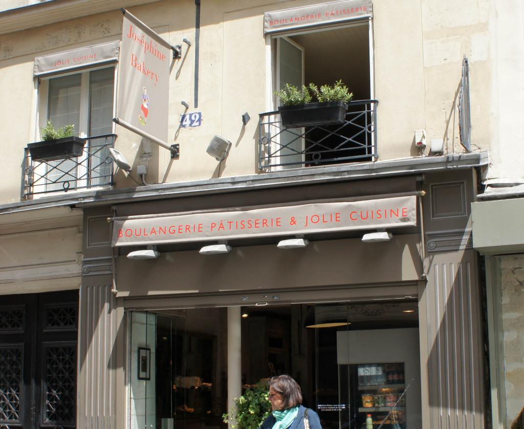 Chez Joséphine Bakery, on ne partage pas qu'une tranche de pain... mais une tranche de vie ! La boutique a peu changé depuis sa reprise, ce qui rend le changement difficilement identifiable pour certains passants. Ainsi, l'ouverture du samedi n'est pas encore bien rentrée dans les habitudes.