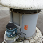 Au sommet du silo, l'air chaud est évacué.