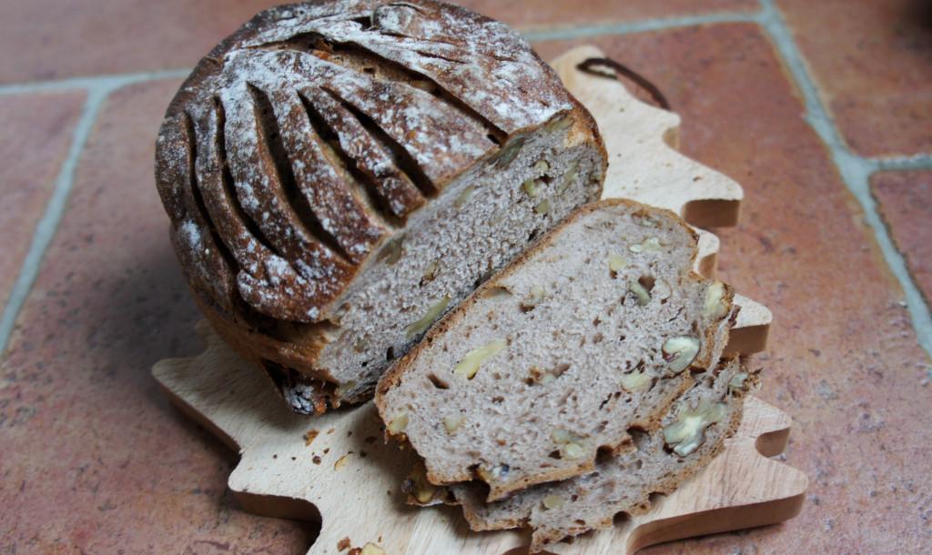Vue tranchéePain Châtaigne-Noix, Bread & Roses