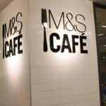 Chouette, on peut même consommer les produits du food-hall M&S sur place !