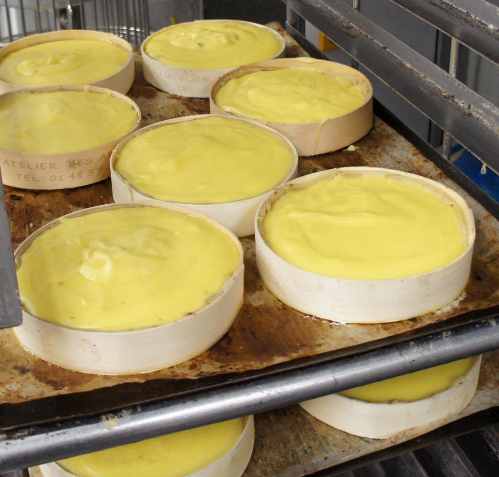 Les flans Grand-Mère avant cuisson : un produit simple et gourmand, avec une texture très crémeuse.