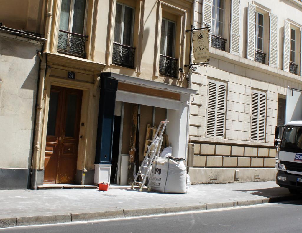 La petite boulangerie d'Arnaud Cimmati rue d'Assas, en pleins travaux.