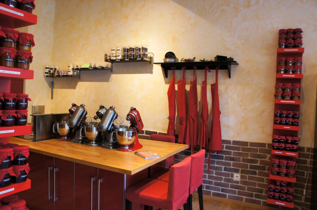 L'espace atelier pâtisserie, bien équipé.