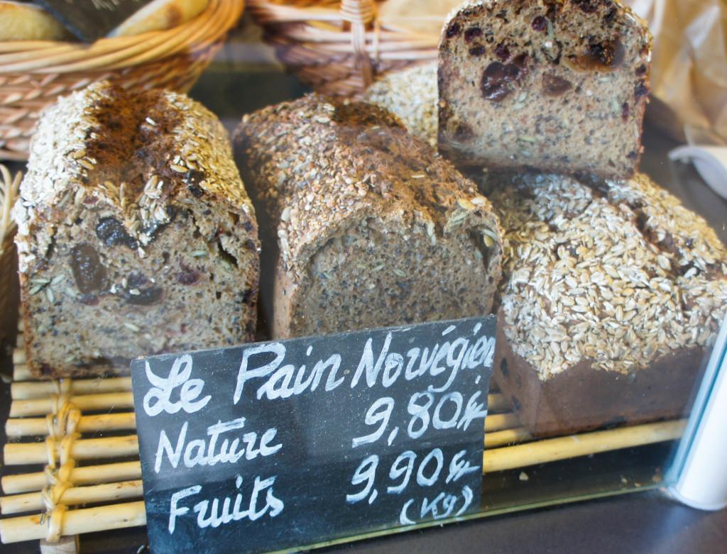 Le Pain Nordique, un savoureux mélange de trois farines et de graines. Excellente conservation et goût marqué.