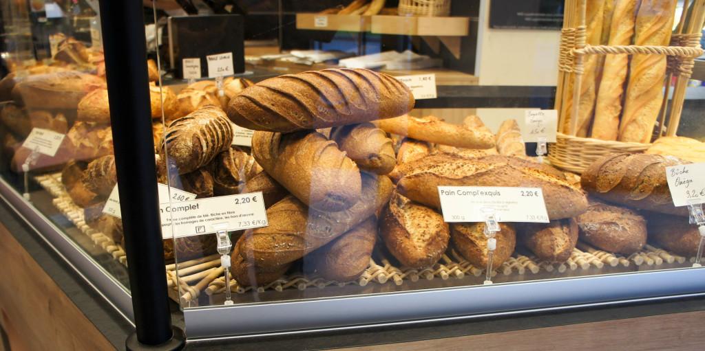 Une partie de la gamme de pains. Ici, on aime les pré-mixes. Question de culture.