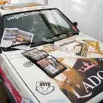 Une équipe, la Team l'Adorée, est partie courir le VW Golf Challenge 2015. Il s'agissait d'une action humanitaire avec pour objectif d'apporter aux enfants défavorisés du désert des fournitures scolaires. Peut-être auraient-ils du emmener la formule de l'Adorée et la laisser dans le désert. Quoique, cela n'aurait vraiment pas été un cadeau pour les populations locales.
