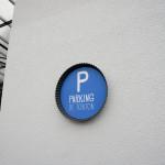 Dans un moule à tarte, le parking de tonton est annoncé.