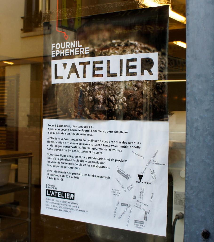 En vitrine, des affiches détaillent le projet aux passants.