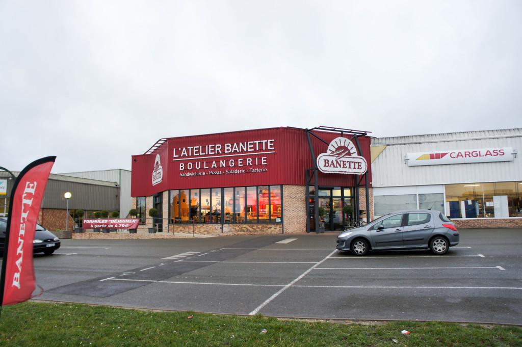 L'Atelier Banette à Chartres. Installé en périphérie de la ville, ce lieu n'a rien de bucolique. Son voisin ? Un centre Carglass.