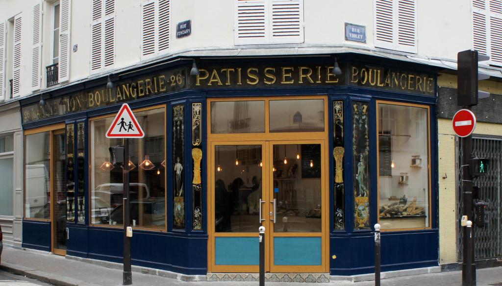"""A l'angle des rues Violet et Fondary, la Maison Meignan - sous-titrée """"Le pain des fins palais""""."""