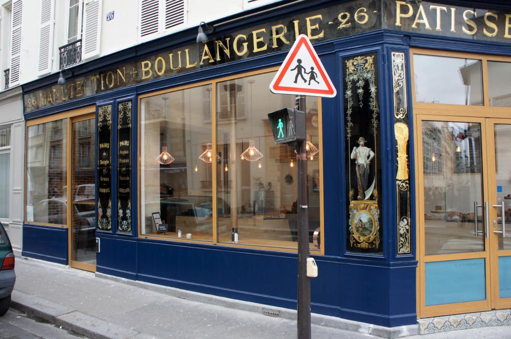 La boutique a été rafraichie et sa façade arbore à présent des teintes bleutées qui correspondent à l'identité voulue par François-Xavier Meignan.