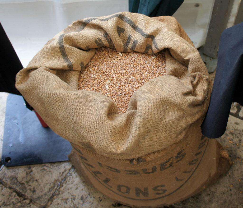 Un sac ancien provenant de chez Suplisson, à Coullons.