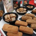 Les pains à la farine de riz et de sarrasin, réalisés en collaboration avec Chambelland.