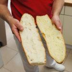 """Un exemple de la sélection variétale réalisée par les meuniers : comme les artisans recherchent des farines aux couleurs plus """"crème"""", on incorpore dans les mélanges de blé des variétés plus jaunes. Le goût ? Ce n'est pas la question ici..."""