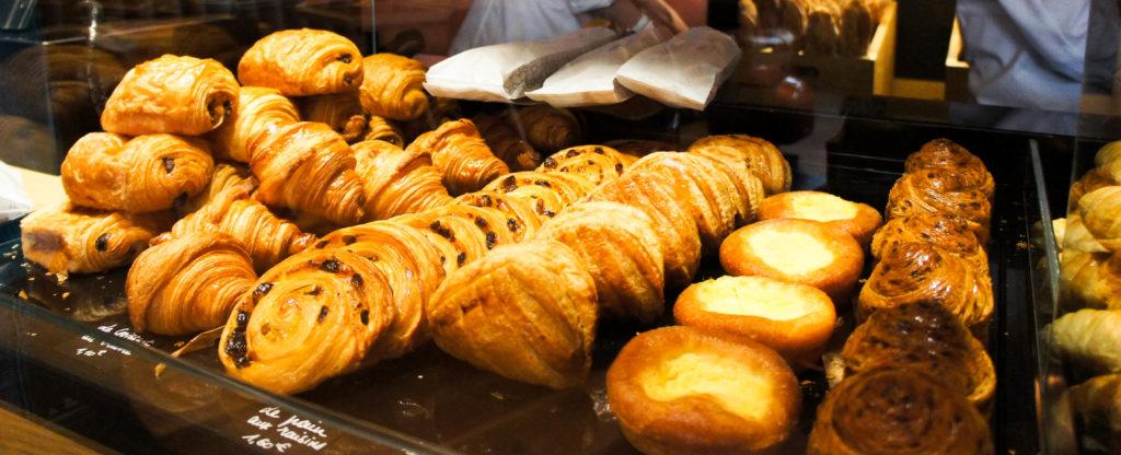 Les viennoiseries sont de bonnes facture, avec un feuilletage généreux. Le croissant est une valeur sûre pour 1,10€, un tarif accessible.