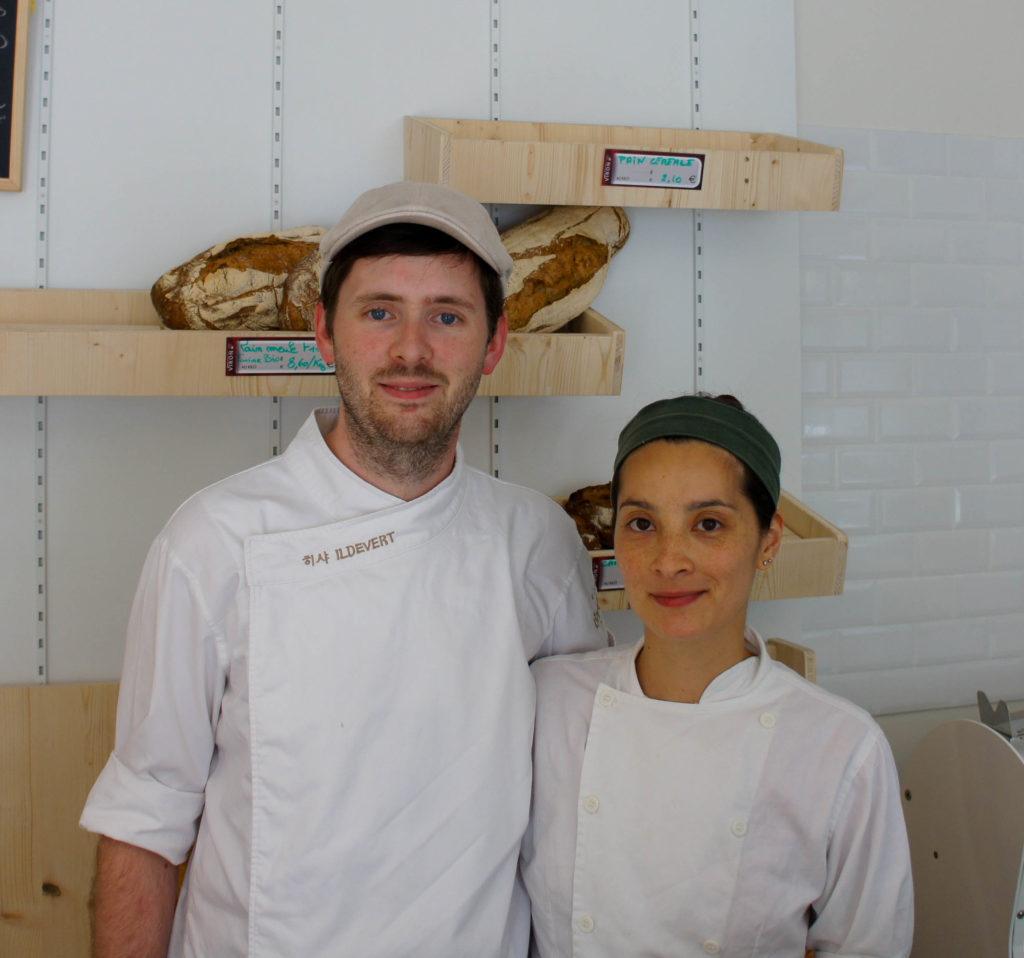 Richard et Antonia dans leur boutique.