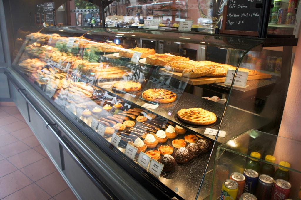 En entrant, ce sont les sandwiches et quiches qui accueillent le client.